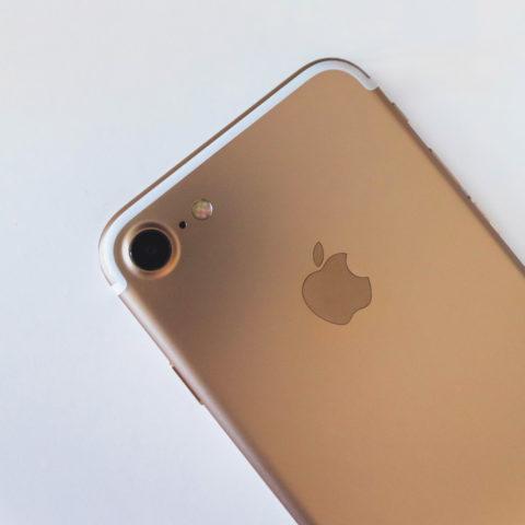 Contestation de l'exclusivité de l'iPhone accordé à l'opérateur historique
