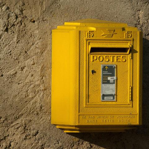 Calcul de coût de la distribution postale en France